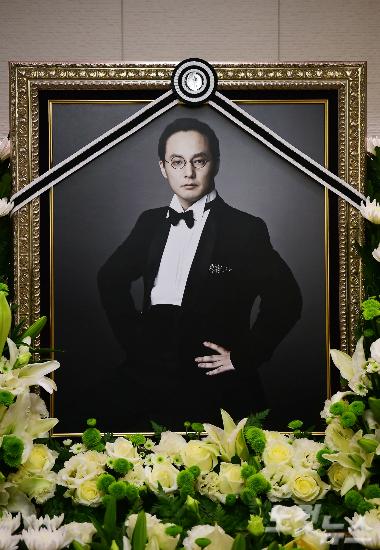 """故 신해철 측 """"의사협회 검증결과, 큰 기대 안했다"""""""