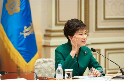 [뒤끝작렬] 박근혜 정부..'잘되면 내 탓, 안 되면 국회 탓'