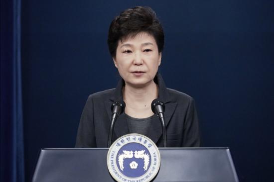 [오늘의 논평] 사상누각(砂上樓閣)과 설상가상(雪上加霜)의 박 대통령