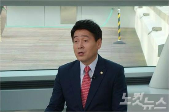 """민주당 """"黃, 대통령 부역자로 남지 말라"""" 특검연장 압박"""