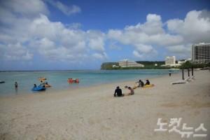 하얏트 리젠시 괌에서는 새하얀 백사장과 푸른 바다를 뽐내는 투몬 베이 전경을 감상할 수 있다. (사진=스테이앤모어 제공)