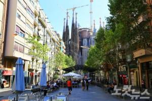 바르셀로나에 왔다면 스페인의 상징이자 역작 '가우디'의 건축물을 꼭 감상해보자 (사진=엔스타일투어 제공)