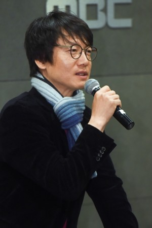 20일 오후 열린 기자간담회에서 '역적' 김진만 감독이 기자들의 질문에 답하고 있는 모습 (사진=MBC 제공)