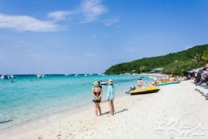 고운 모래와 깨끗한 물로 파타야 해변의 여느 섬보다 많은 관광객들이 찾는다. (사진=참좋은여행사 제공)
