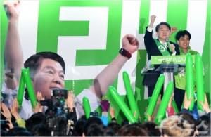 국민의당 안철수 대선후보가 21일 오후 부산 진구 서면인근에서 선거유세를 하고 있다. (사진=이한형 기자/노컷뉴스)