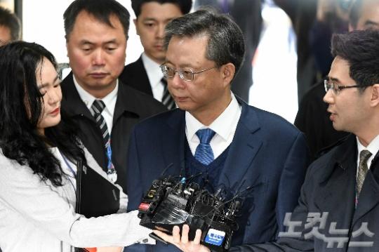 '우병우 특검법' 발의…특검에 재수사·공소유지 맡겨