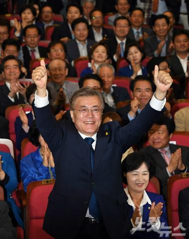 '한국호' 이끌 문재인, 경선부터 당선까지 고비의 순간들
