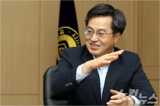 경제부총리에 김동연, 외교장관에 강경화 내정(종합)