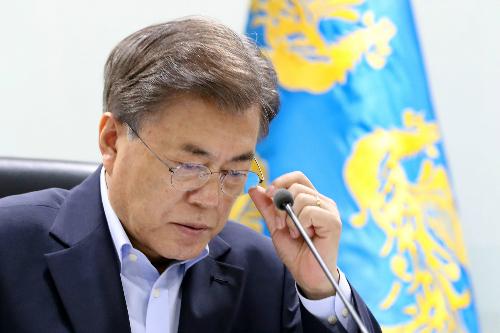 """""""당하시면 가만 안계실 분""""…文 '무력시위' 막전막후"""