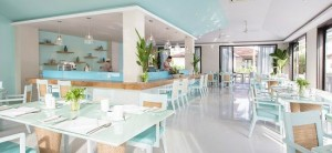 다양한 메뉴들을 선보이며 여행객들의 입맛을 공략하고 있는 깔끔한 레스토랑. (사진=스테이앤모어 제공)