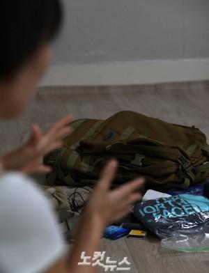 9일 오후, 故 김광일 PD의 아내 오영미 씨가 자택에서 CBS노컷뉴스와 인터뷰를 하고 있는 모습 (사진=이한형 기자)