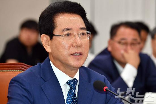 """김영록 """"동물복지농장 30%까지 확대… 농피아 재취업 제한"""""""