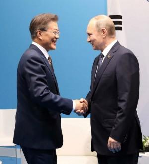 문재인 대통령과 블라디미르 푸틴 러시아 대통령 (사진=청와대 제공/자료사진)