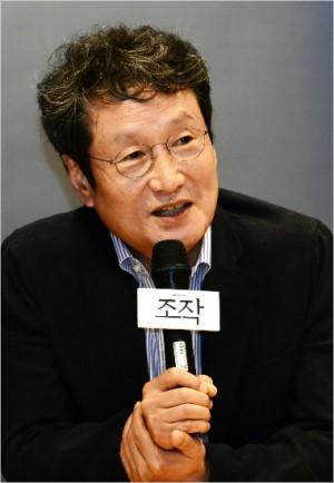 배우 문성근이 이명박 전 정부 시절 국정원이 작성한 것으로 알려진 문화예술계 블랙리스트에 자신이 포함된 것에 대해 소송을 계획 중이라고 밝혔다. (사진=SBS 제공)