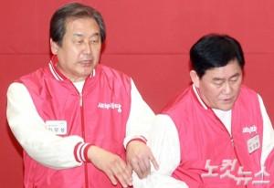 새누리당 시절 김무성 의원과 최경환 의원의 모습 (사진=윤창원 기자/자료사진)