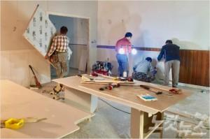지난 19일 서울 희망의교회에서 리모델링 작업에 열중하고 있는 만백성건축선교단 성도들.
