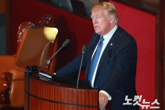 트럼프, 南번영-北참상 비교하며 북한 맹비난