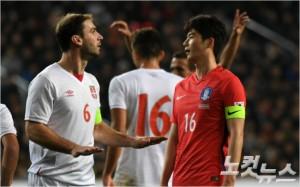 '신태용호'의 주장 기성용은 2018 러시아월드컵에서 만날 어느 상대도 우리보다 약하지 않다고 평가했다. 이한형기자