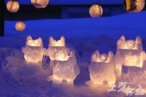 무수한 촛불이 하얀 눈으로 뒤덮인 오타루를 밝히는 로맨틱한 오타루 눈빛 거리 축제.(사진=투어벨 제공)