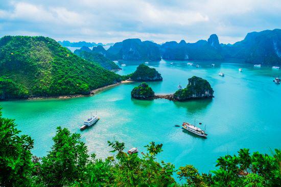 '하늘에서 용이 내려와…' 베트남 '하롱베이'의 절경