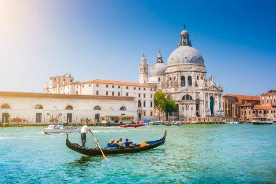 낭만적 감수성이 풍부한 이탈리아 북부