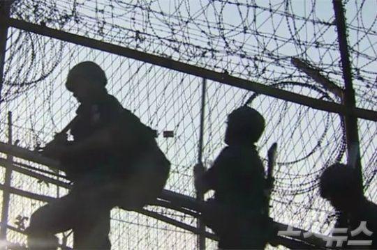 북한군 귀순후 北 수색조 MDL 접근…軍, 경고사격(종합)