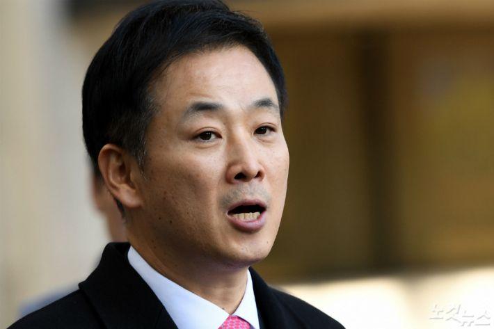 [Why 뉴스] 박근혜는 왜 유영하에게 30억원을 맡겼을까?