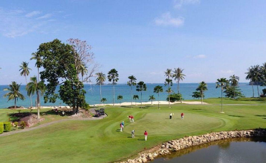 인도네시아 바탐서 즐기는 3색 무제한 골프여행