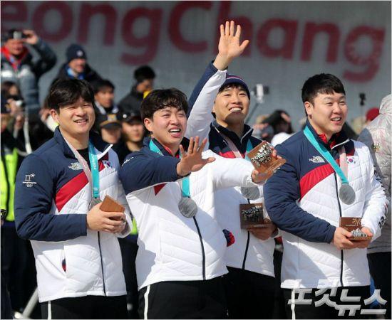 은메달로 보상받은 김동현·전정린의 값진 희생