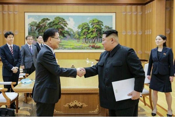 """""""자존심 상할 얘기도 솔직하게"""" 김정은, '정상국가화' 큰그림 그렸나"""
