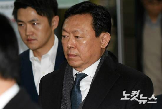 한 숨 돌린 신동빈…한국 핵심계열사 경영권 유지