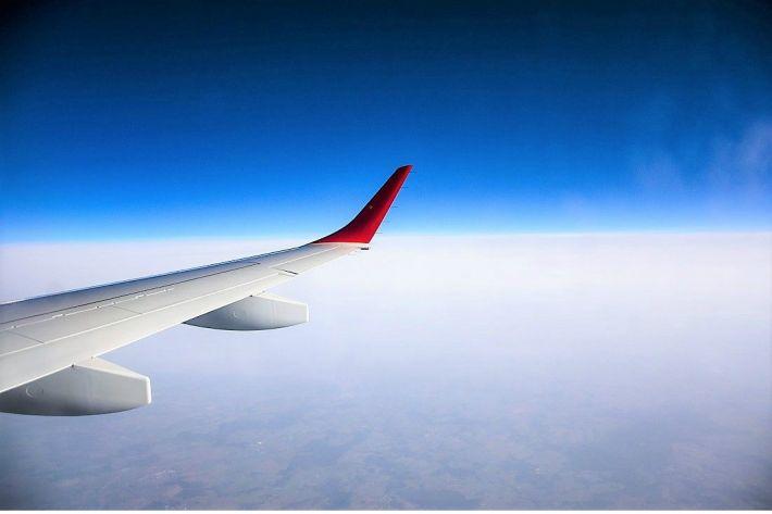 비행기에서 보내는 시간을 알차게 활용하는 방법