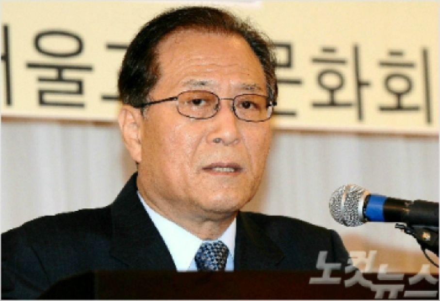 """정세현 """"文, 핫라인으로 김정은 답장 쓰도록 설득해야"""""""