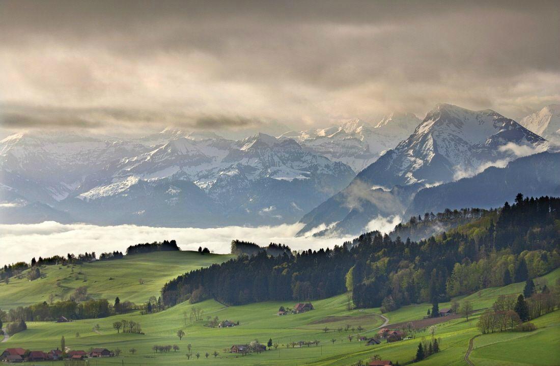 """""""취리히·루체른·인터라켄·로이커바트""""… 다채로운 매력이 가득한 스위스 여행"""