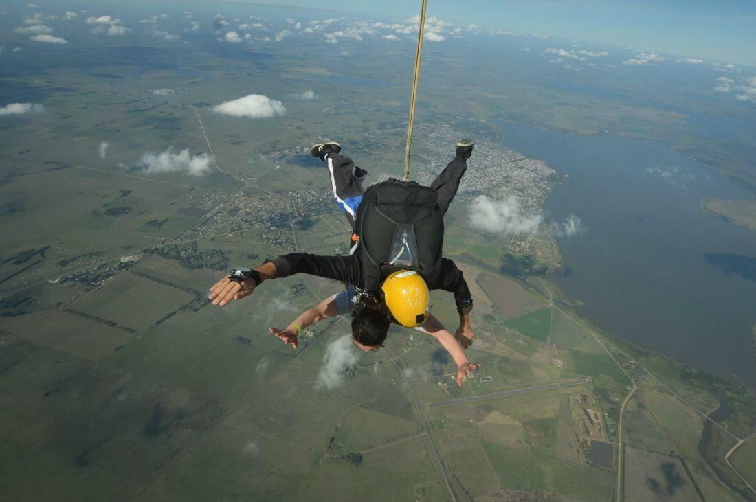 부에노스아이레스에서 즐기는 스카이다이빙