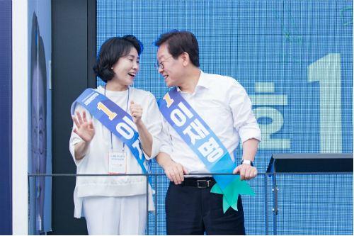 '김부선 밀회의혹' 확산, 이재명의 '항변' 행보 통할까?