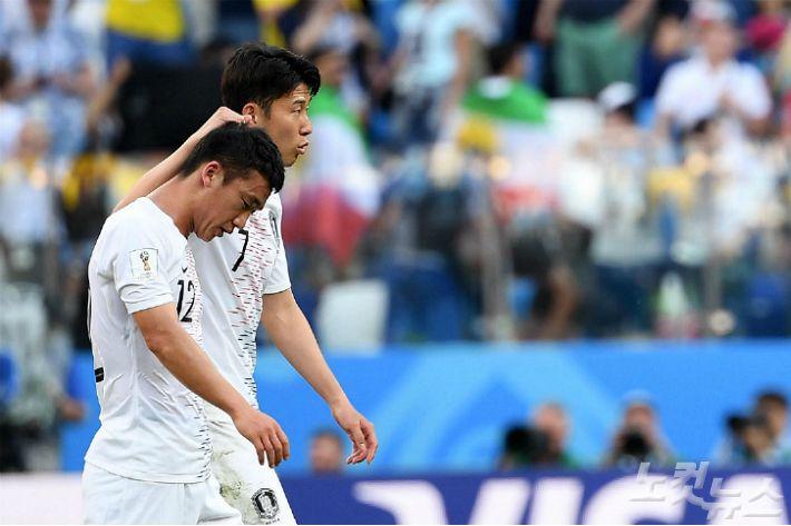 [WC레터] 고개 떨군 김민우, 이제는 털어내야 할 '마음의 짐'
