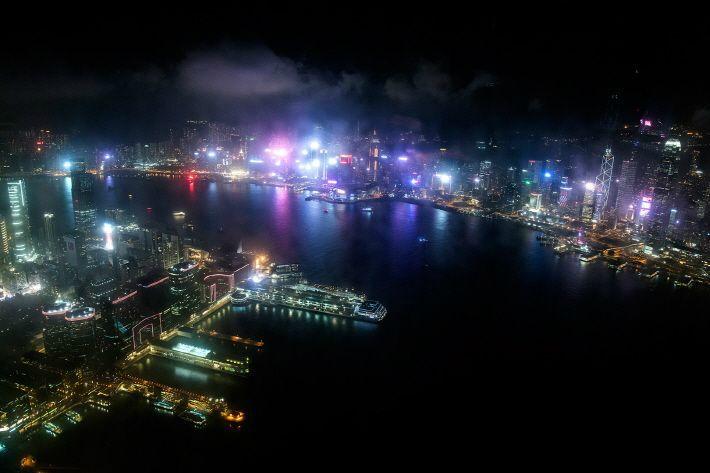 잠들지 않는 도시 '홍콩'의 매력에 빠져볼까