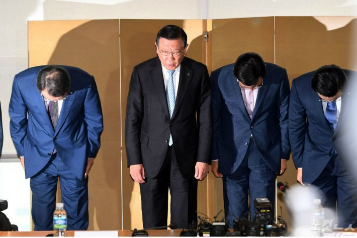 """'빅브라더' 아시아나…""""충성맹세 하듯 복종해야 승진"""""""