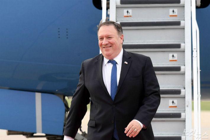 """폼페이오 """"대북제재 이행 안되면 성공적 비핵화 가망 낮아져""""(종합)"""