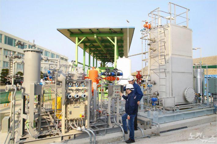 현대중공업이 개발한 LNG선 혼합냉매 완전 재액화(SMR) 실증설비.(사진 = 현대중공업 제공)