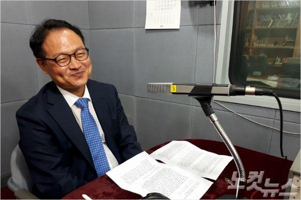 강원CBS'시사포커스 박윤경입니다'에 출연한 더불어민주당 강원도당 허영 위원장(사진=강원CBS)