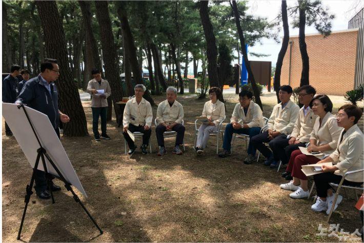 행정위원회 현장 방문. (사진=강릉시의회 제공)