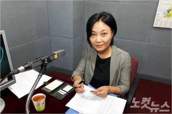 강원CBS'시사포커스 박윤경입니다'에 출연한 황순석 총괄위원(사진=강원CBS)