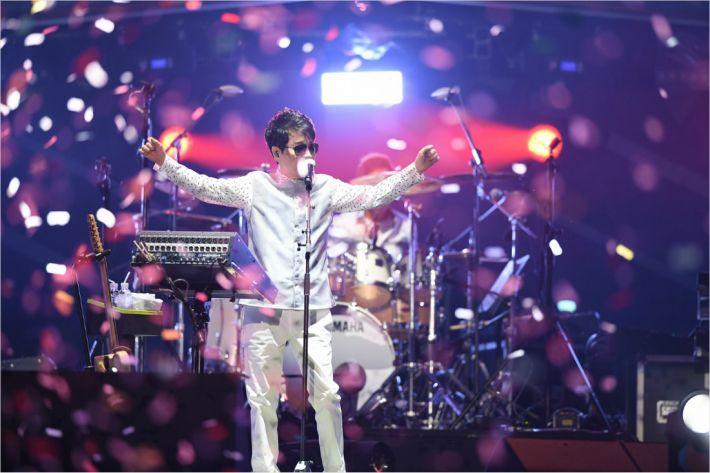 조용필 콘서트 모습(사진 한국조폐공사 제공)
