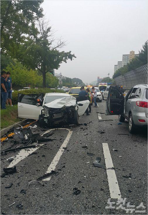 16일 오전 7시 49분쯤 유성구 궁동 네거리 인근에서 역주행 교통사고가 발생했다. (사진=대전지방경찰청 제공)