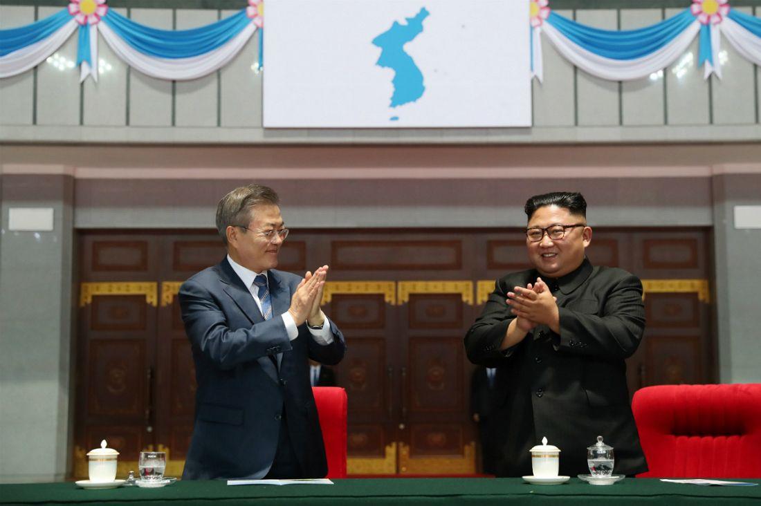 '더 이상 가까울 수 없다'…문재인·김정은, 3일간 10번 동행