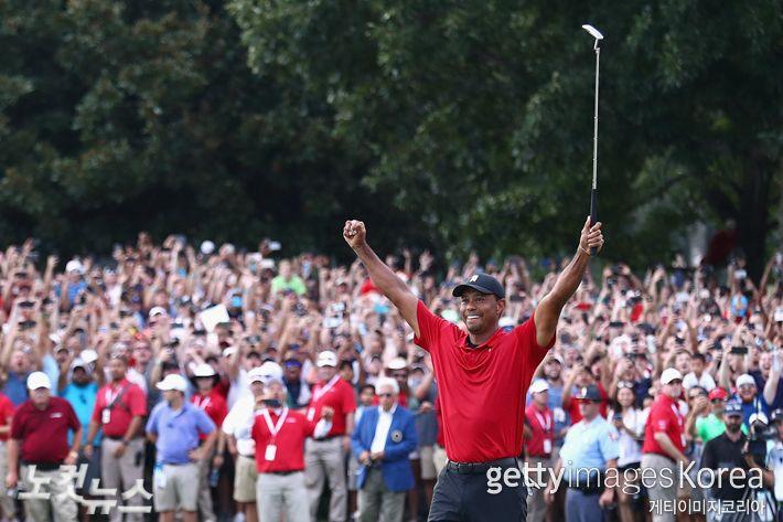 '골프황제' 우즈, 5년 만에 PGA 투어 우승…통산 80승 달성