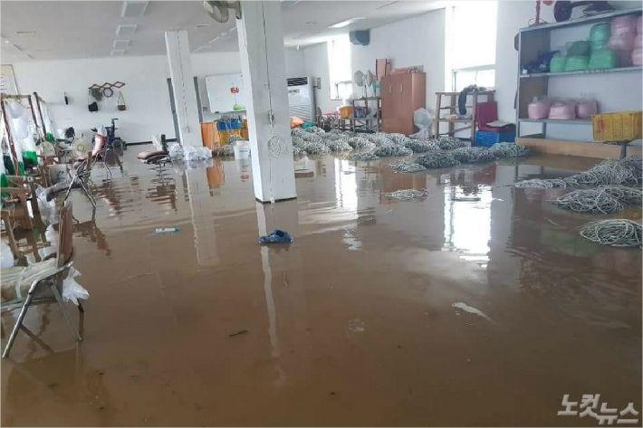 침수피해를 입은 사무실 내부 모습(사진=독자제공)