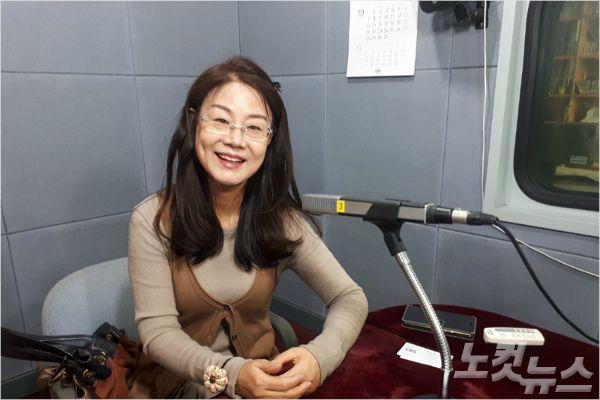 강원CBS'시사포커스 박윤경입니다'에 출연한 선우미애 시인(사진=자료사진)